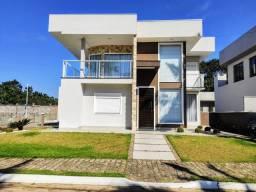Casa Duplex de alto padrão em condomínio fechado!!