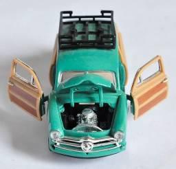 Título do anúncio: Miniatura Carro Ford 1949 Wood Wagon