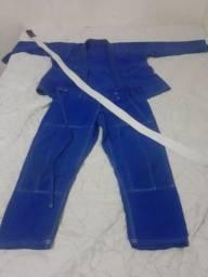 Kimono 150 com faixa 180 M4