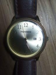 Título do anúncio: Relógio Mondaine Masculino Aro Dourado em perfeito estado de Conservação