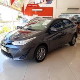 Toyota Yaris Sedã  XL Plus 2021  /  2022  Cinza