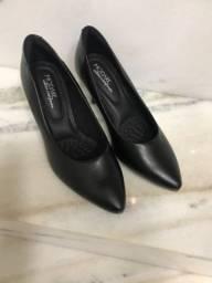 Título do anúncio: Sapato preto n34 confortável