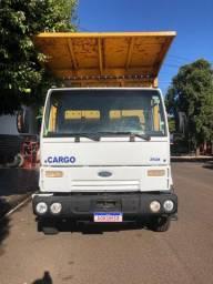Caminhão cargo 2628 traçado 6x4 ano 2006