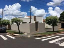Oportunidade! Excelente casa com 3 dormitórios à venda em Lobato/PR