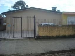 Alugo casa geminada com 2 dormitório.Preferencia aposentado;