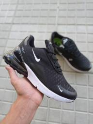 Tênis Nike Air 270