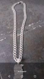 Vendo esse cordão de prata