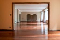 Bonito Apartamento no Paraíso, com 4 dormitórios, sendo 1 suíte, 2 vagas e área de 343 m²