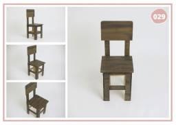 Cadeira estilo escolar de madeira (mdf)
