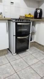 Título do anúncio: Fogão electrolux  com dois fornos