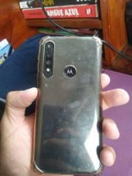 Moto G8 play funcionando perfeitamente (tela trincada ) porém sem falha nenhuma