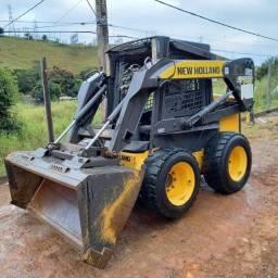Mini Carregadeira NH L175 2012 1.700h - Parcelo