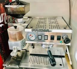 Título do anúncio: Máquina de café expresso com moedor