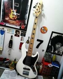 Contrabaixo Tagima Jazz Bass TJB5 Especial séries Passivo Branco