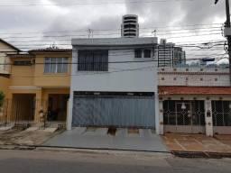 Casa com 3 Suítes e dois andares, Tv. Soares Carneiro - Umarizal