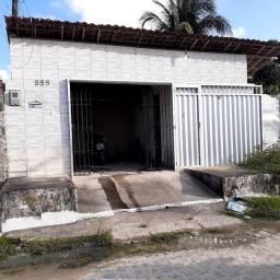 Aluga-se casa em Desterro