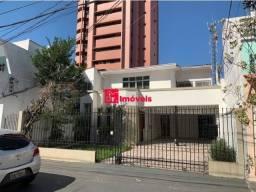 Casa na Rui Barbosa, 270m², 4 quartos sendo 3 suítes, 2 vagas - Doutor Imóveis Belém