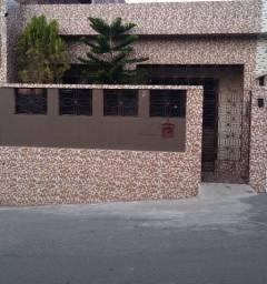 Casa pra alugar próximo ao terminal dos ônibus de São Lourenço