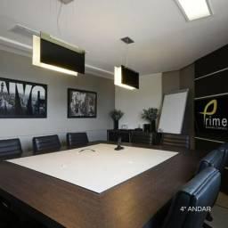Sala de reuniões decorada e mobiliada no Setor Marista