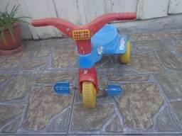 Triciclo bandeirante desapego