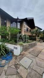 Casa em condomínio na Zona Sul, 4 quartos, suíte, vista para o Guaíba