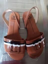 Vendo sandália ou troco por algo do meu interesse