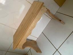 Mesa e banco de madeira