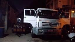 Vendo caminhão 2001