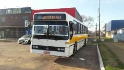 Vendo ou troco ônibus ano: 90 - 1990
