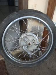 Roda dianteira com pneu Honda fan 125