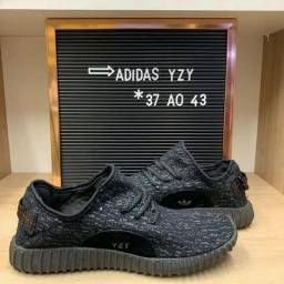 Tênis Adidas YZY ( 37 ao 43 )