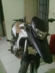 Vendo ou troco XRE - 2012