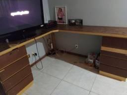 Escrivania de madeira pura