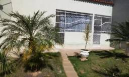 Casa a Venda no Centro de Itaguaçu