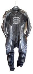 Macacão Shif Vantage - modelo 2 peças (Jaqueta + calça unidas por zíper)