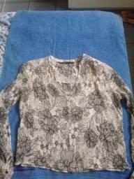Blusa Zara preta e branca de crepe Tsm M