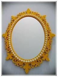 Espelho em moldura de MDF, com 1/2 pérola