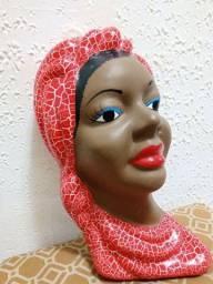 Rosto de namoradeira para parede em cerâmica