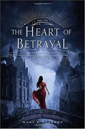 Livro The Heart of Betrayal - Mary E. Pearson