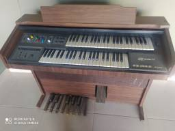Órgão GAMBIT antigo eletrônico