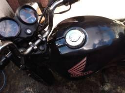 Fan 2010 pedal conservada moto muito boa pra o dia-dia.
