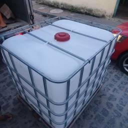 Reservatório de água de 1.000 , valor 400
