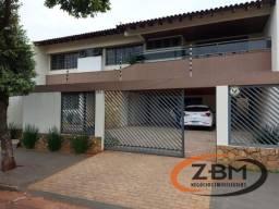 Casa sobrado com 4 quartos - Bairro Champagnat em Londrina