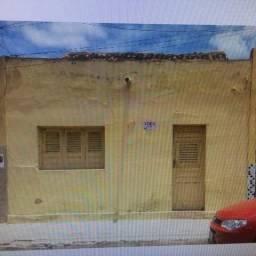 Aluga casa em Cajazeiras