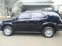 Toyota Hilux 2015 Completo - Único dono - 2015