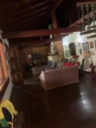 Casa 4 quartos, sendo 02 suites-Cercada pelo verde - Itaipava-Petropolis -RJ