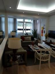 Centro Histórico - Excelente Apartamento de 3 Quartos Reformado em Área Nobre