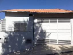 Vendo - Casa nova em São Lourenço-MG