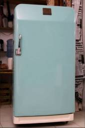 Geladeira antiga frigidaire anos 50