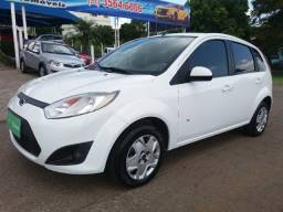 Ford/fiesta hatch completo impecavel